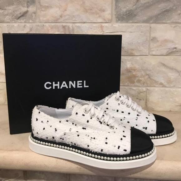 948e0ae4dc9a Chanel 17P Black White Tweed Pearl CC Lace Up Flat